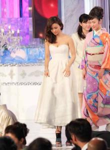 大島優子-日本アカデミー賞の授与式-ドレス