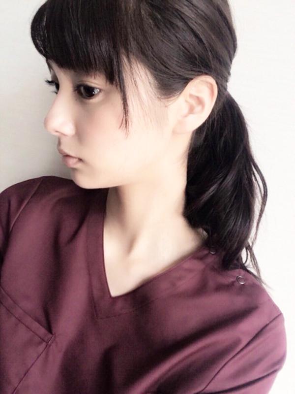 新川優愛-黒髪