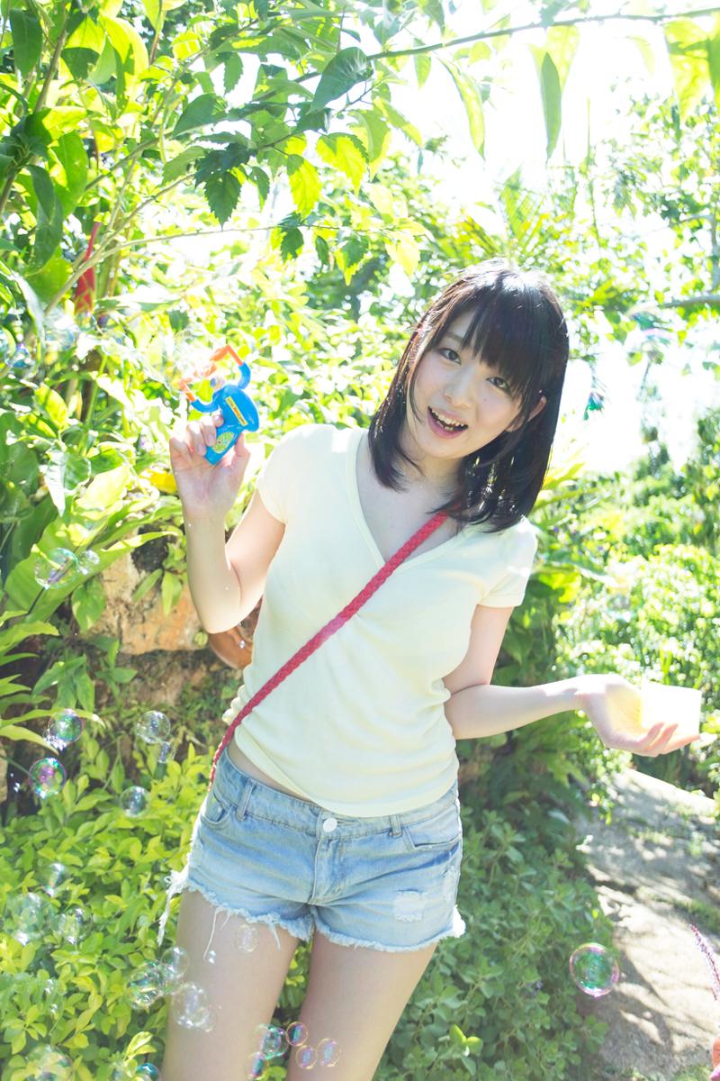 涼本めぐみ-沖縄の新緑