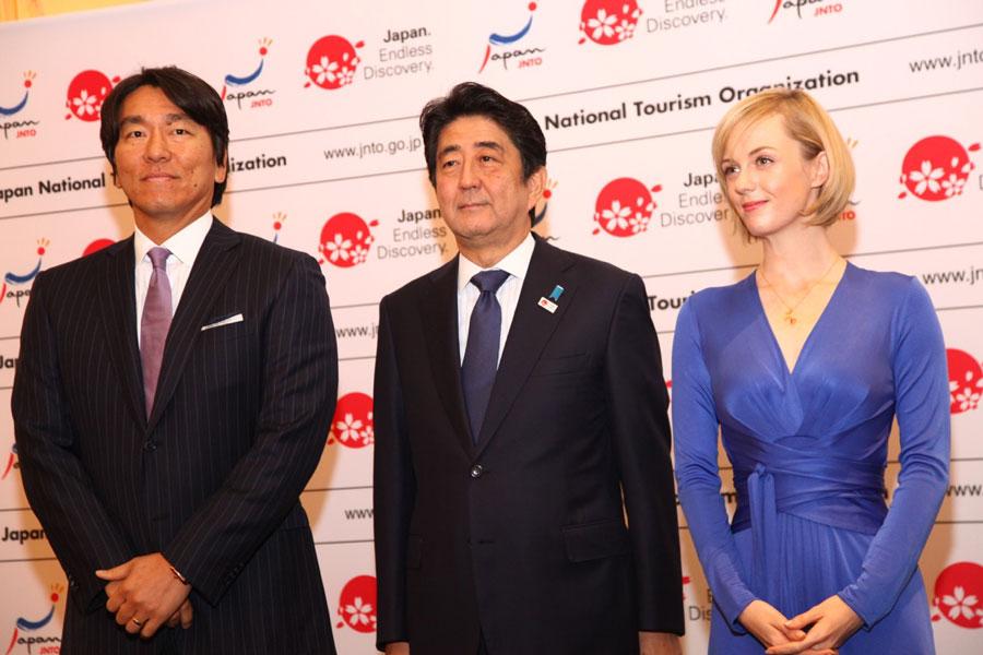 シャーロット・ケイト・フォックス-安倍首相-松井秀喜-NYで日本PR