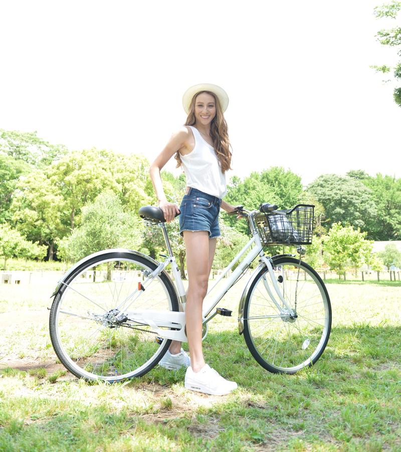 道端カレン-自転車-森林