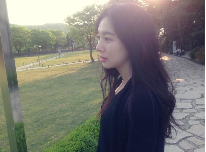 Yoonyoung-ユンヨン