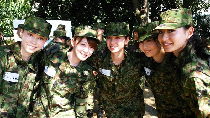 ミス・ワールド-自衛隊入隊訓練