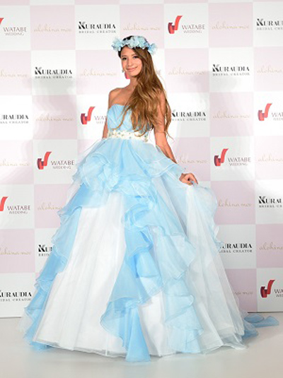 吉川ひなの-ウェディングドレス-alohina-moe