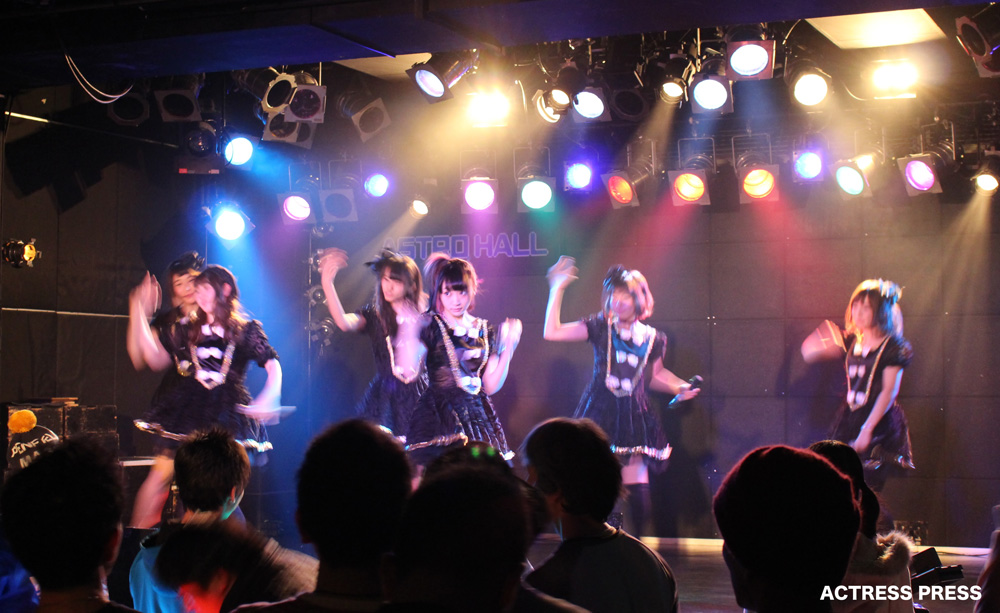 椎名成美-81MOMENT