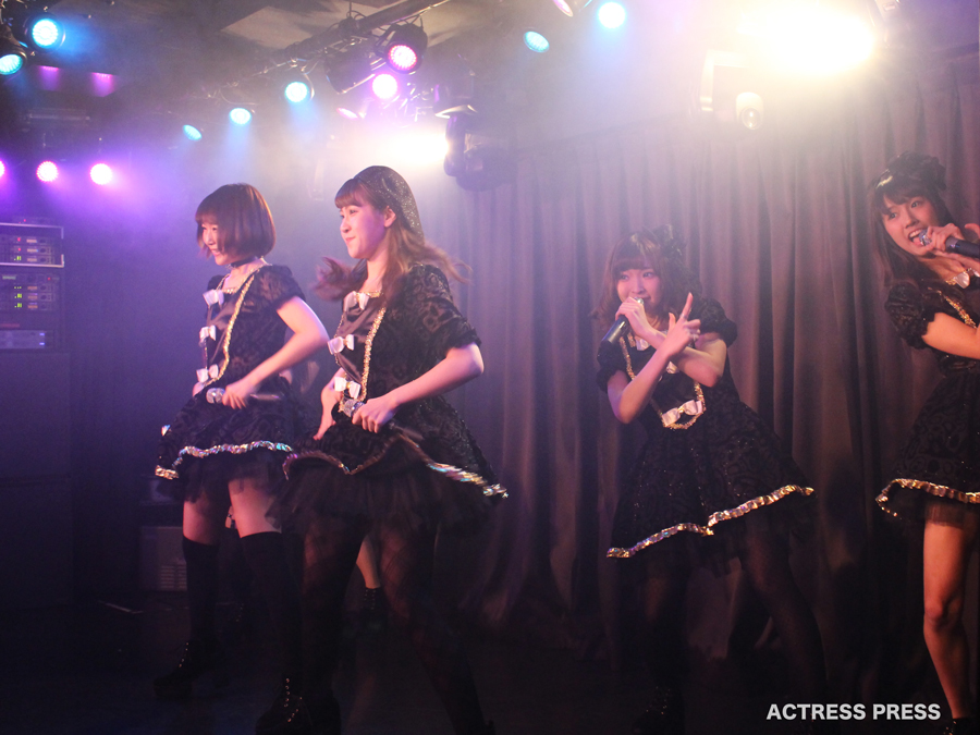 81moment-live20151229-五十嵐茉優-綾瀬愛-清水理子-春野絵実莉