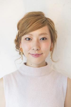 工藤由布-ふんわりまとめ髪@Date-YU-Uヘアアレンジ-FRONT