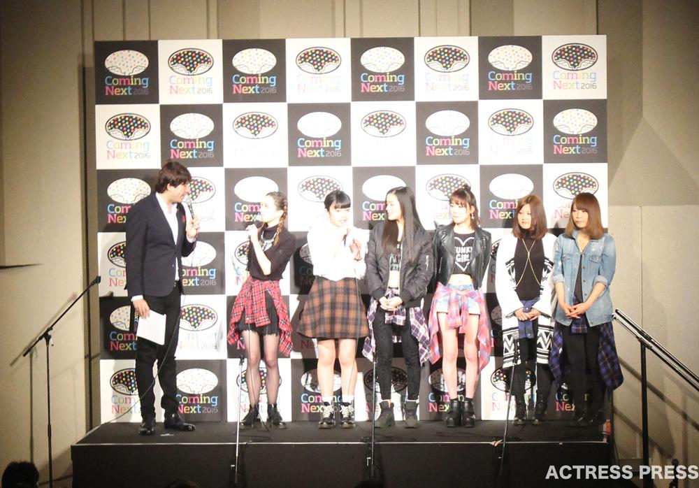 コムシコムサ-Coming-Next-2016