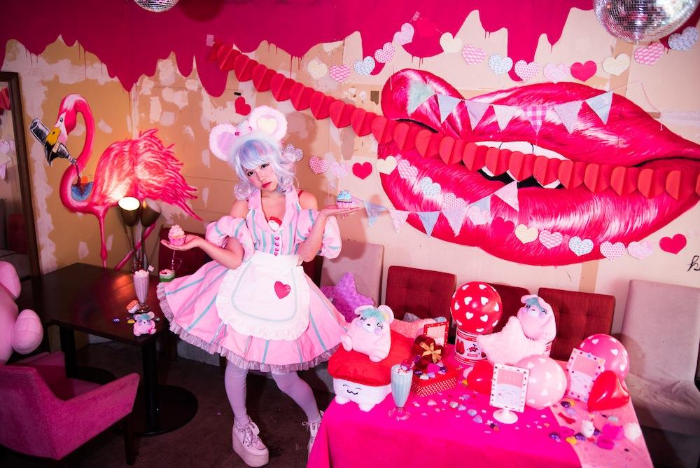 ちゃんもも aka 天照大桃子 Flamingo Cafe 渋谷