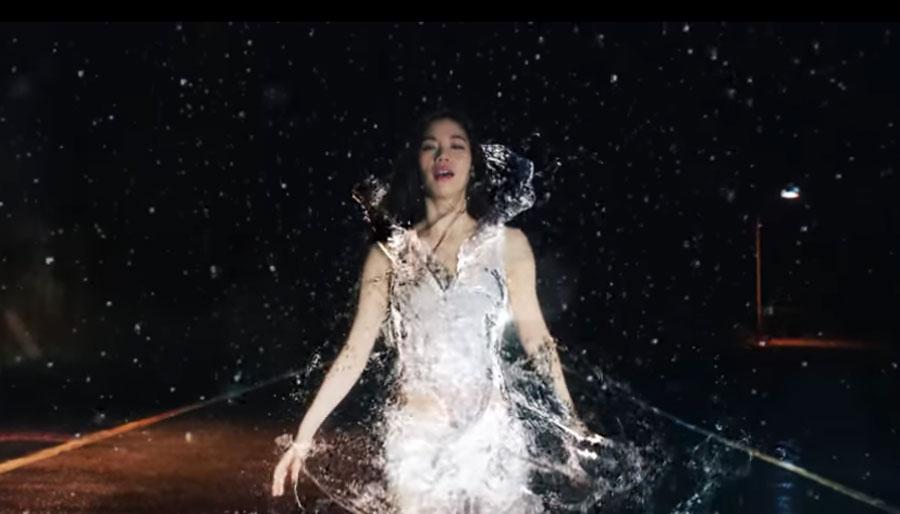 宮本彩菜 出演!モード学園・新CM water dress
