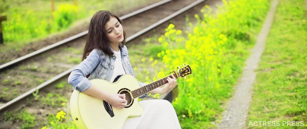 Celeina Ann(セレイナ・アン)19 MV アコースティックギター