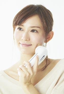 市川由衣・美顔器・CELL CURE SPECIAL 24のイメージキャラクター