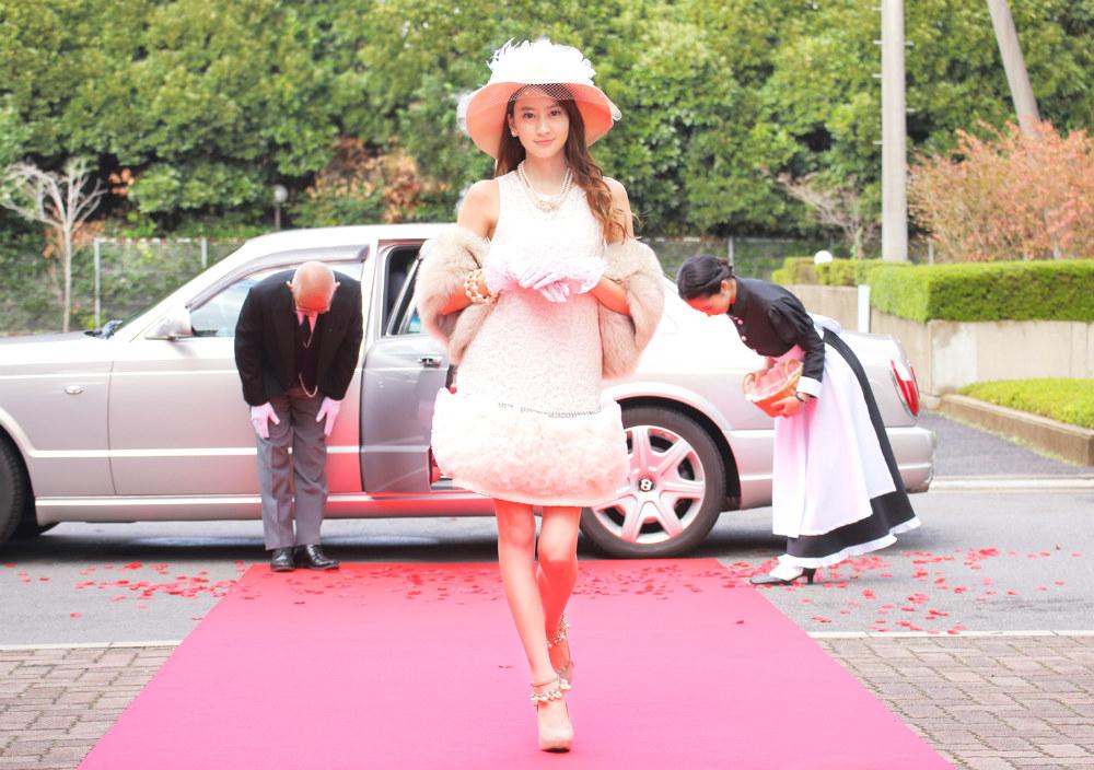 河北麻友子主演の「白鳥麗子でございます!」