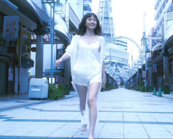前田敦子、新曲「Selfish」MV