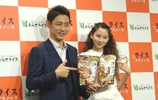 河北麻友子・小泉孝太郎 ライスグラノーラ イベント
