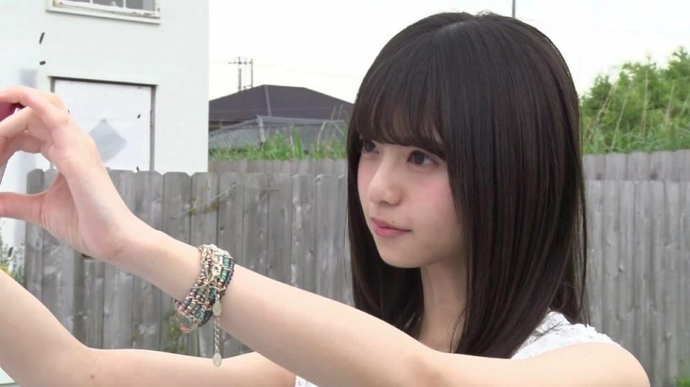 乃木坂46・15thシングル 裸足でSummer ジャケット写真・自撮り