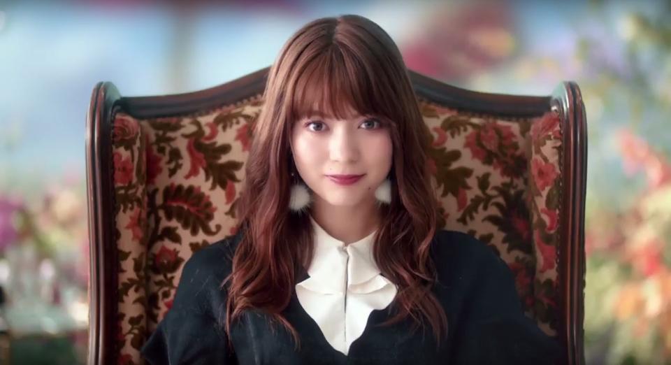 八木アリサ出演! CANMAKEの新商品『リップティントジャム』新CM