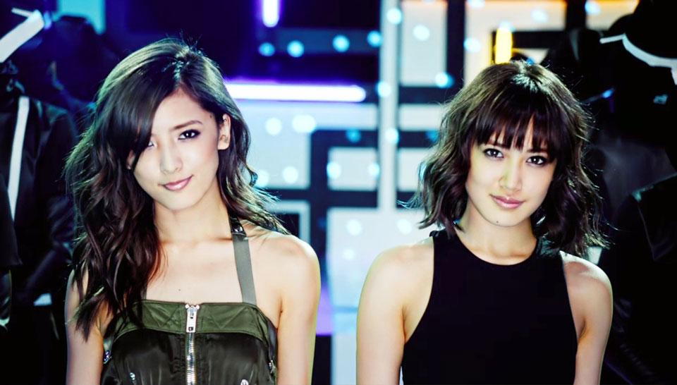E-girls 藤井萩花&夏恋による姉妹ユニット・ShuuKaRen、デビューシングル「UNIVERSE」MV