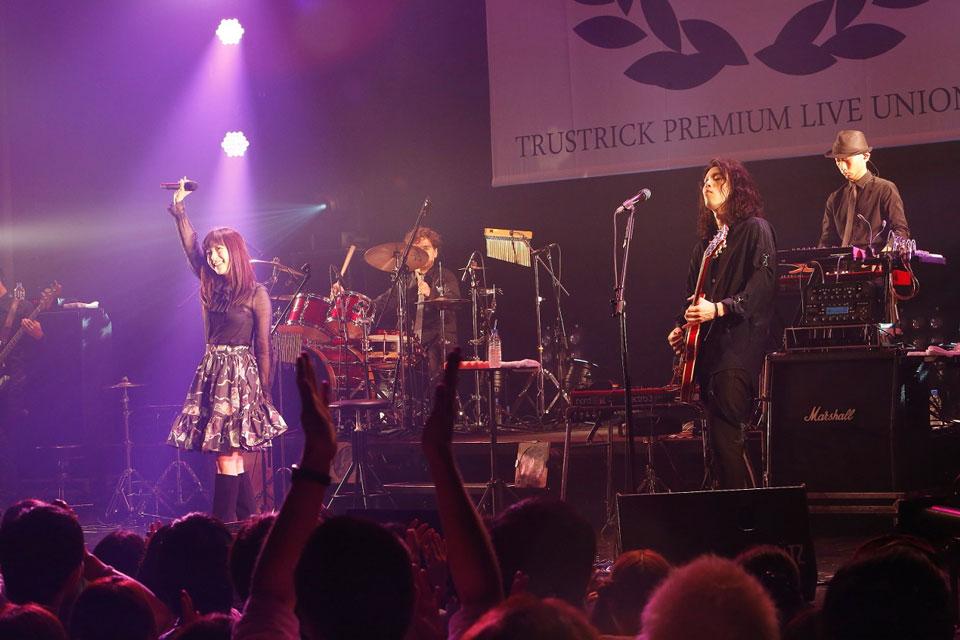TRUSTRICK PREMIUM LIVE UNION 2016」ライヴ