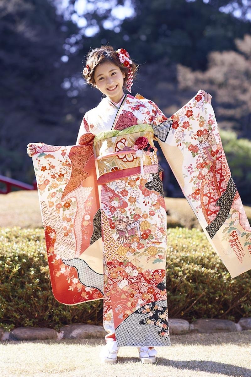 岡田彩花(ミス成蹊コンテスト2014グランプリ)