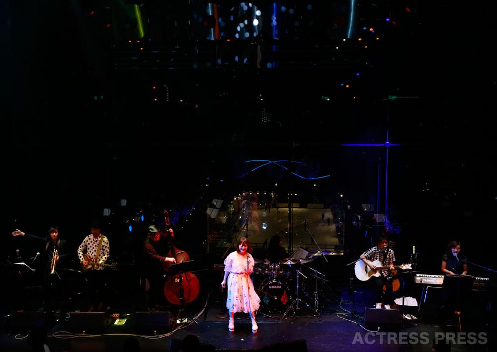 花澤香菜・ビルボードライブ東京でスペシャルライヴ
