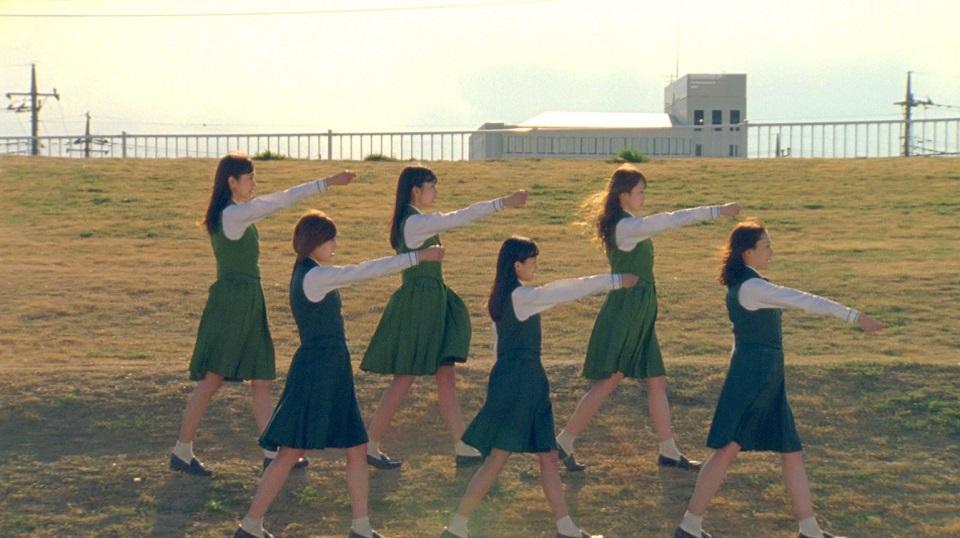 欅坂46『W-KEYAKIZAKAの詩』MV