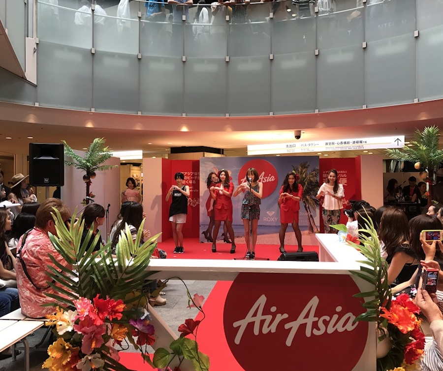anderlust、Niki&UnaとエアアジアX 関空-ホノルル線新規就航セレモニー