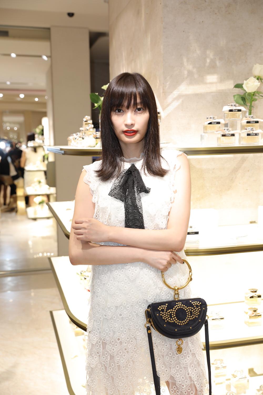 女優・大政絢(おおまさ あや)クロエのフレグランスパーティー