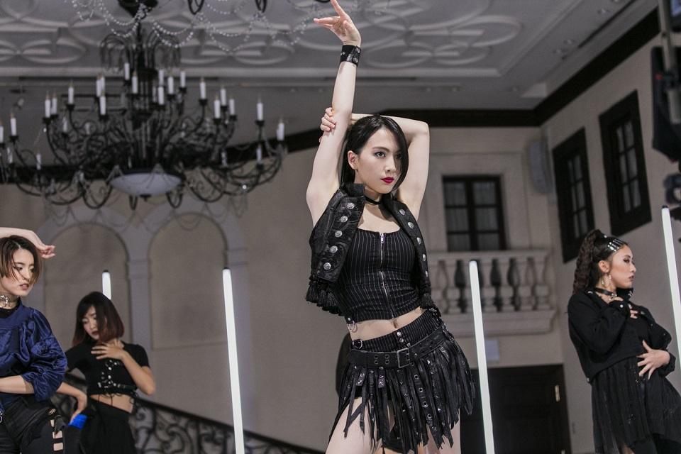 JY(=知英)、自身主演ドラマ「オーファン・ブラック」の主題歌『MY ID』MV