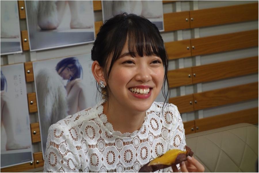 堀未央奈、1st写真集『君らしさ』発売記念・SHOWROOM生配信