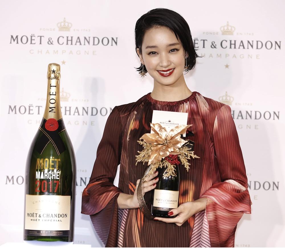 """剛力彩芽、""""MOET CHRISTMAS MARCHE 2017""""オープニング"""