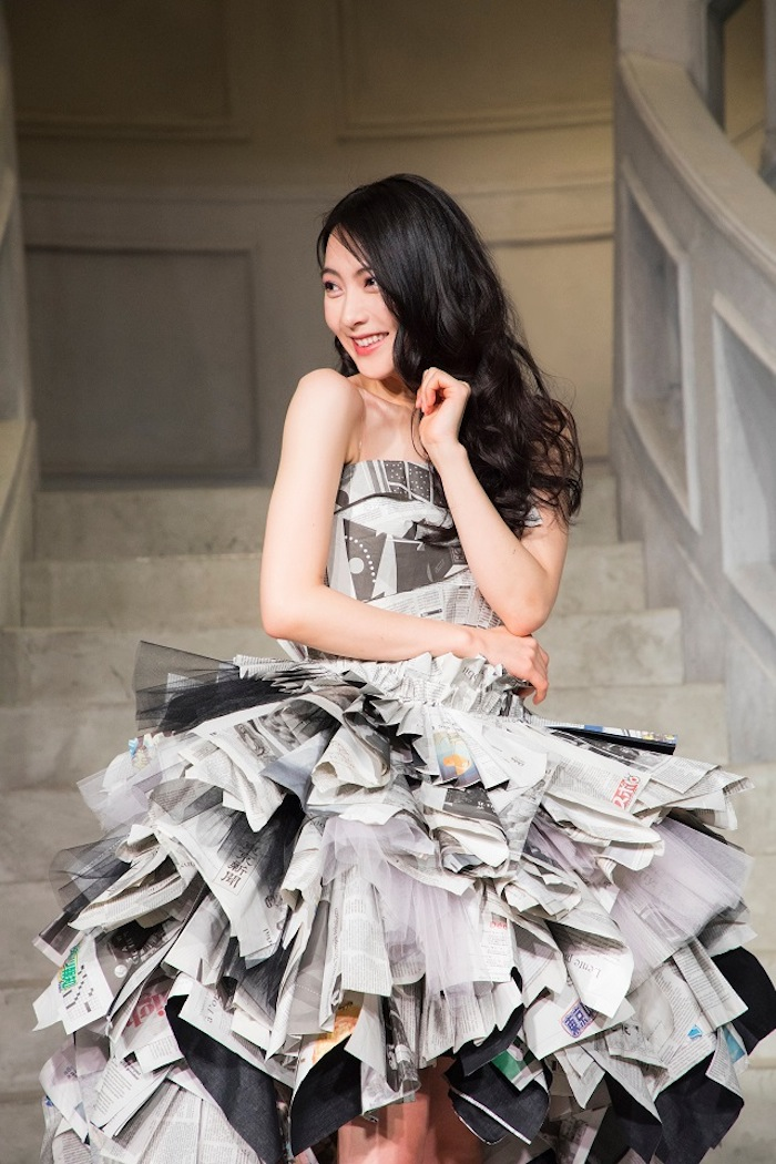 "JY(=知英)、映画「リベンジgirl」主題歌「Secret Crush ~恋やめられない~」を""新聞紙ドレス""で初パフォーマンス"