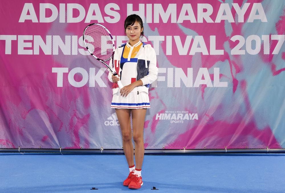 """小島瑠璃子、テニスウェア姿でプロ選手とラリーチャレンジ!ADIDAS HIMARAYA TENNIS FESTIVAL 2017 TOKYO"""" width=""""1000"""