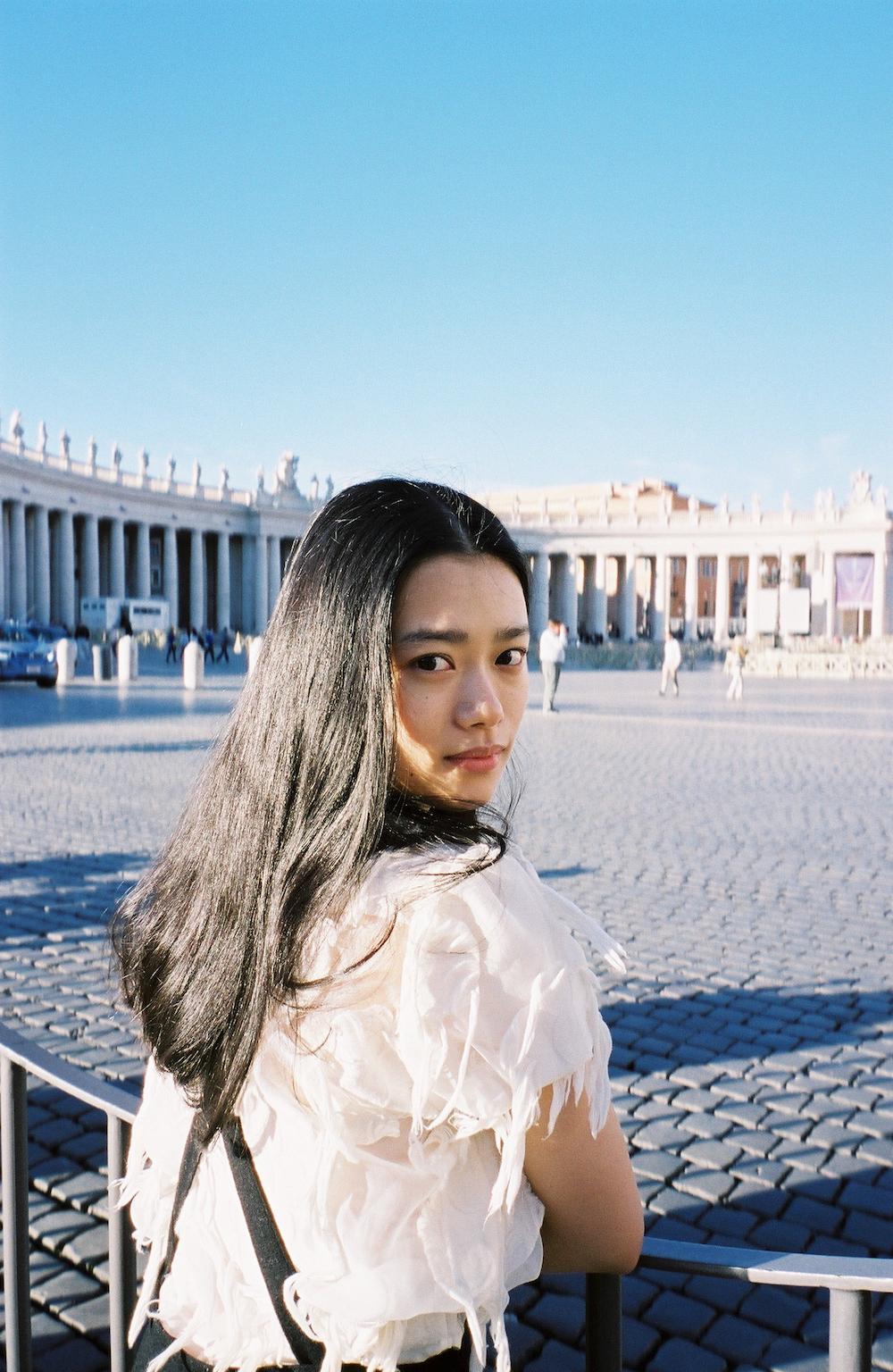 杉咲花1st写真集「ユートピア」