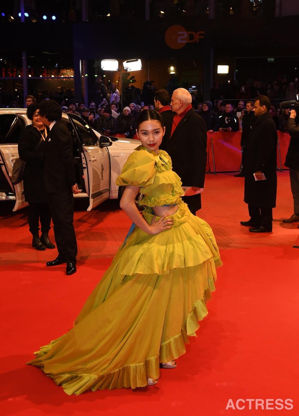 二階堂ふみ、ベルリン国際映画祭のレッドカーペットに登場