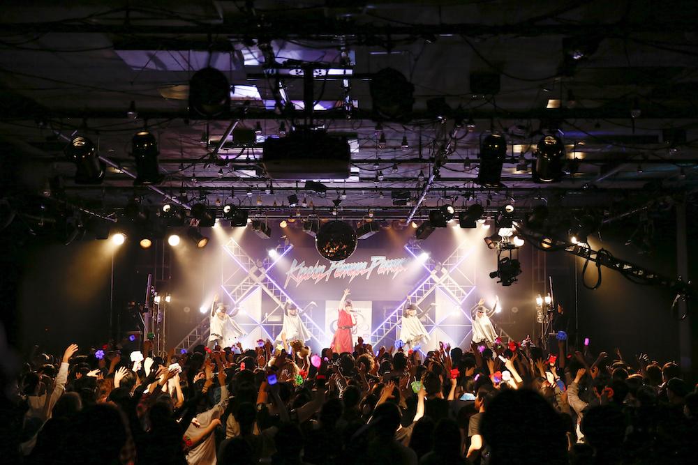 きゃりーぱみゅぱみゅ、恵比寿リキッドルームで初ライブ