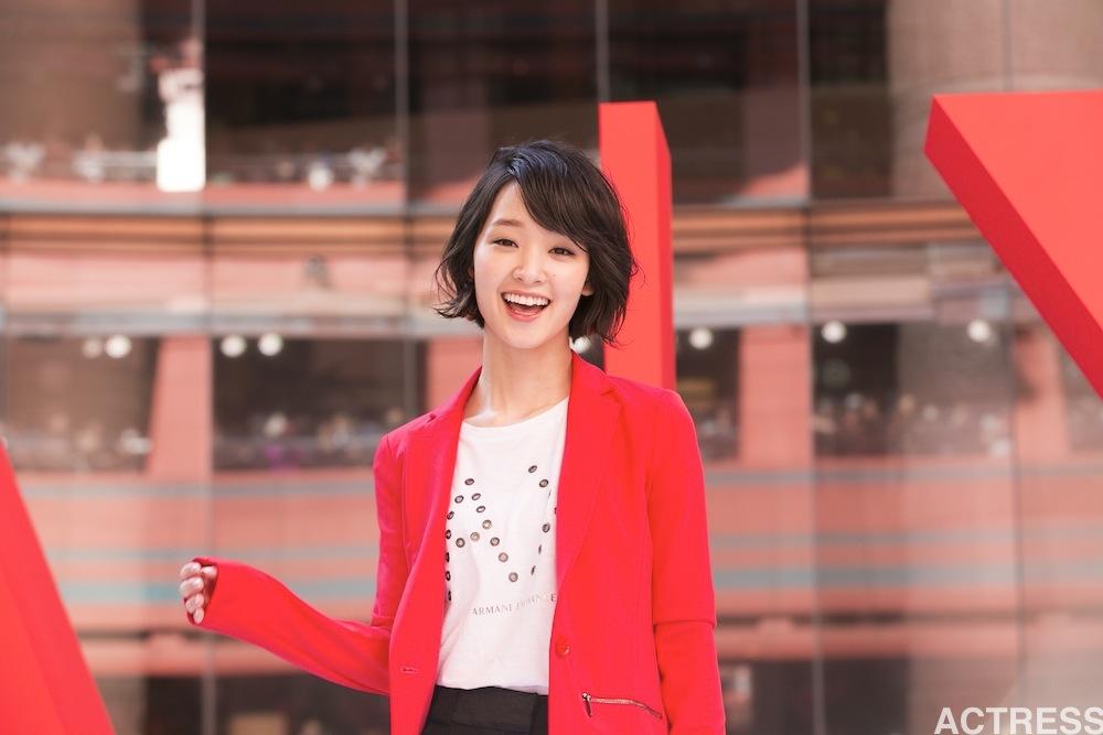 剛力彩芽、A|X アルマーニ エクスチェンジ 福岡店オープン 記念イベント