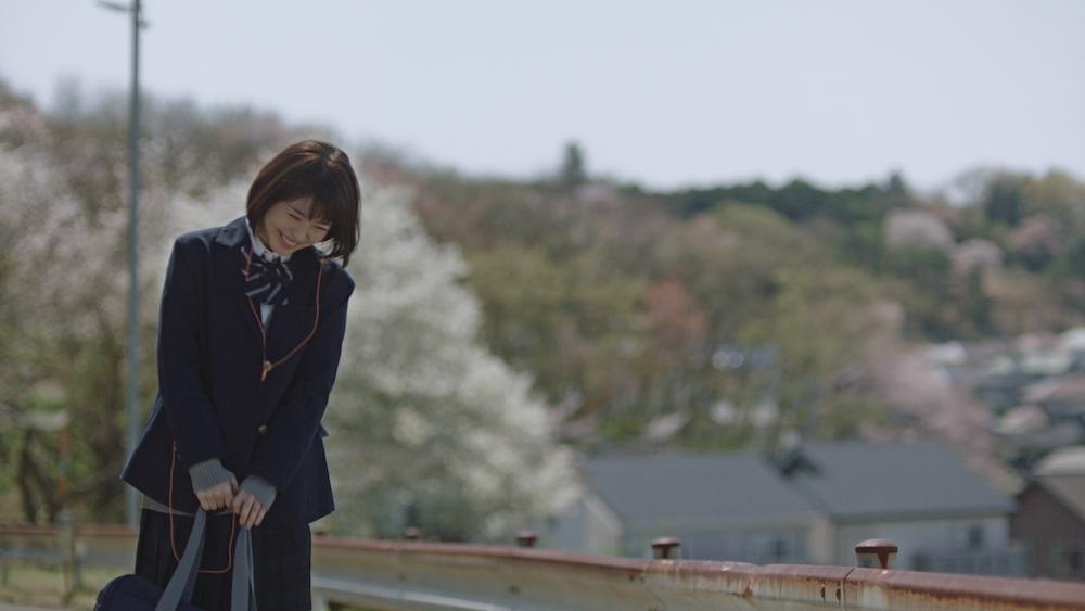 浜辺美波・LINEMUSIC・新CM「歌う篇」