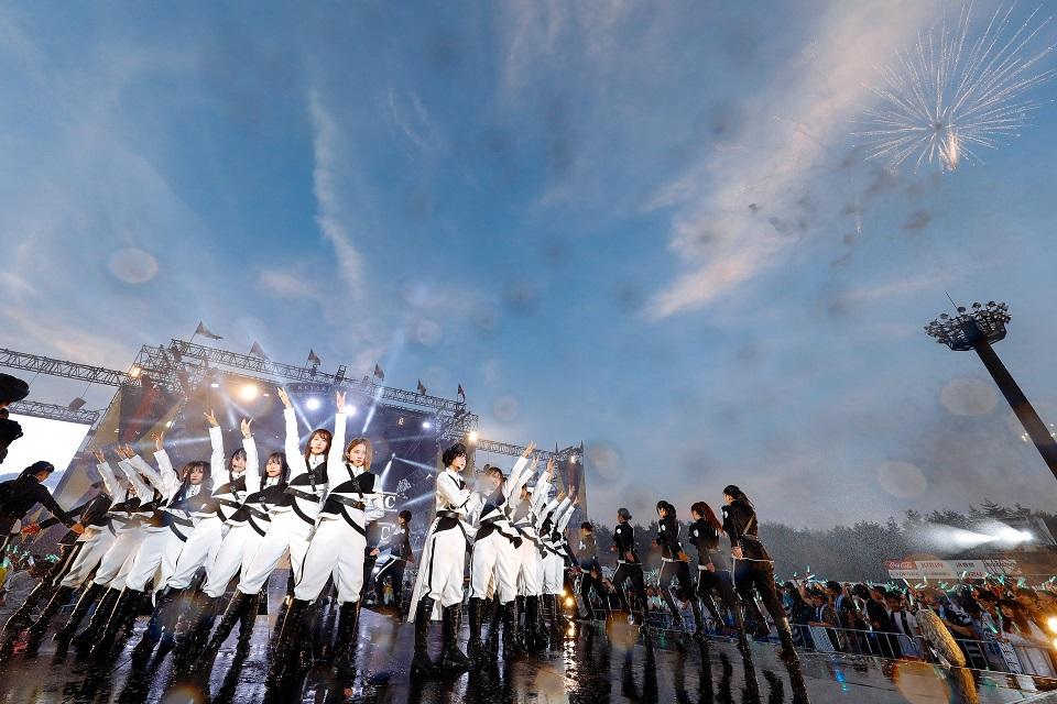 欅坂46、富士急での野外ワンマンライブ「欅共和国 2018」