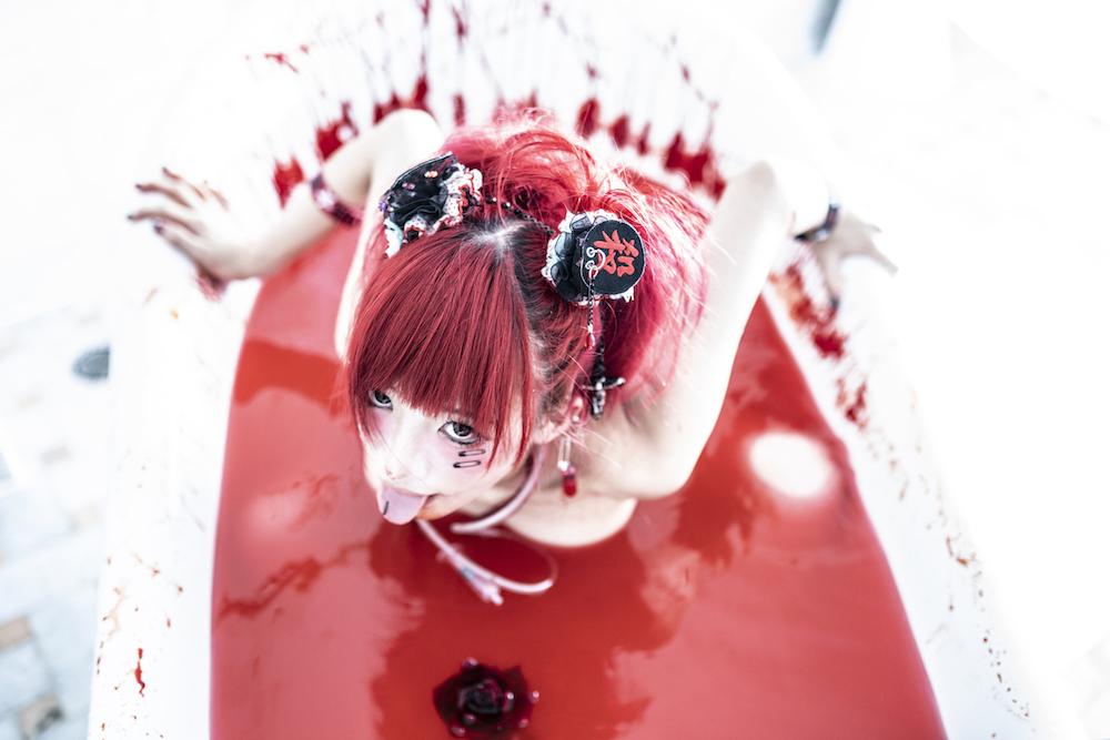椎名ぴかりん、1 年半ぶり NEW シングル「不完全な僕と完成された社会」