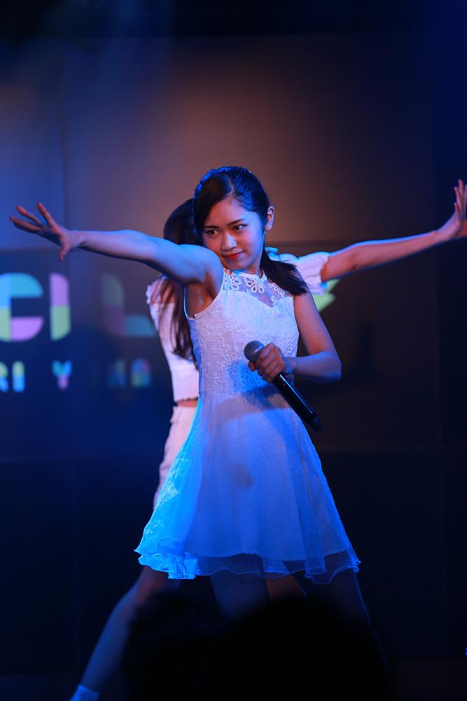 浅野杏奈(マジカル・パンチライン)/2018年11月18日、AKIBAカルチャーズ劇場でのライブにて