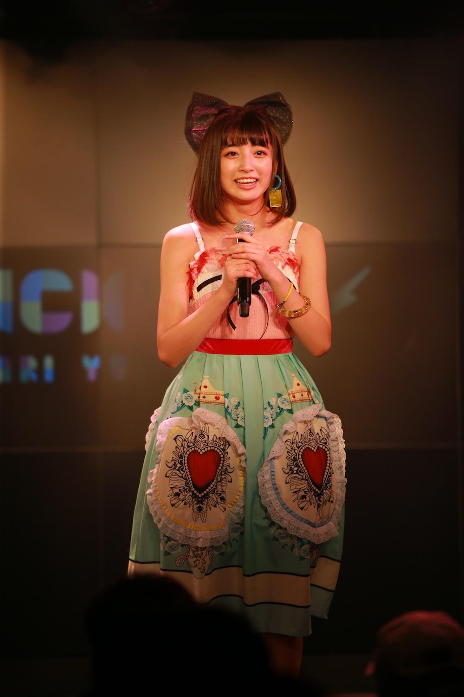清水ひまわり/2018年12月16日、AKIBAカルチャーズ劇場でのライブにて