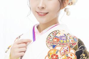 岩佐 美咲(いわさ みさき)歌手