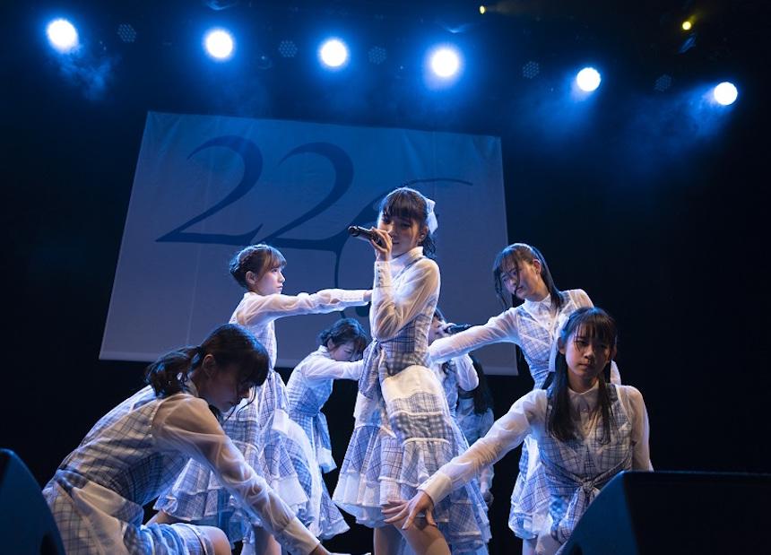 """22/7(ナナブンノニジュウニ)、初の定期公演『""""ナナニジライブ"""" #1』"""