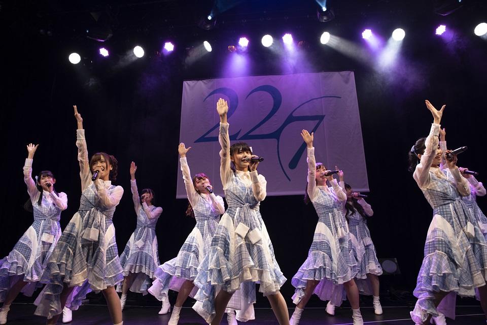 """22/7(ナナブンノニジュウニ)・初の定期公演『""""ナナニジライブ"""" #1』"""
