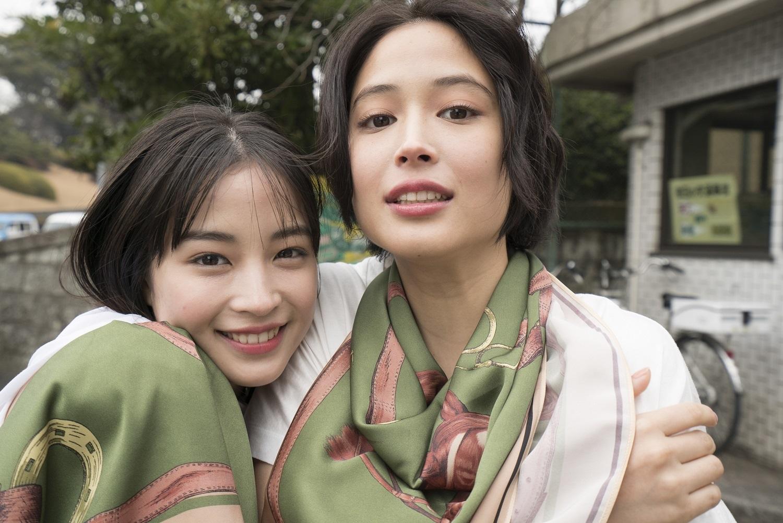 広瀬アリス、広瀬すず/「GINZA PLACE presents OH MY SISTER! -広瀬姉妹・写真展-」