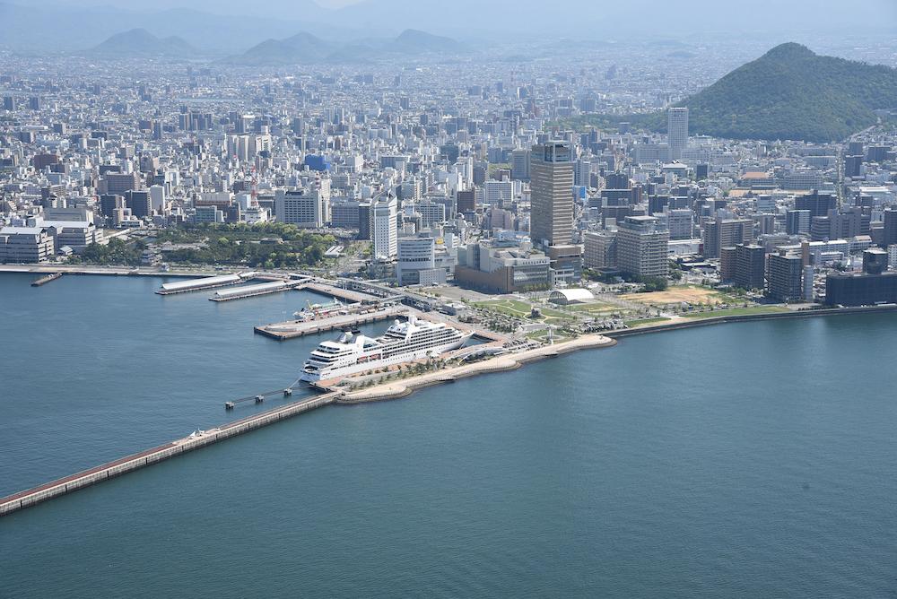 香川県 高松港