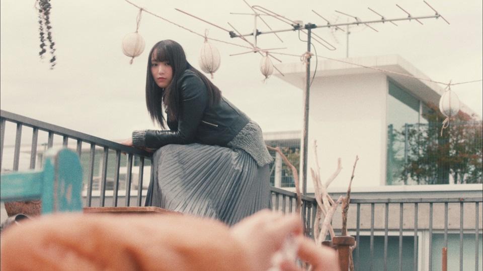 欅坂46・キャプテン菅井友香と副キャプテン守屋茜によるユニット「ヒールの高さ」MVより (8thシングル収録曲)