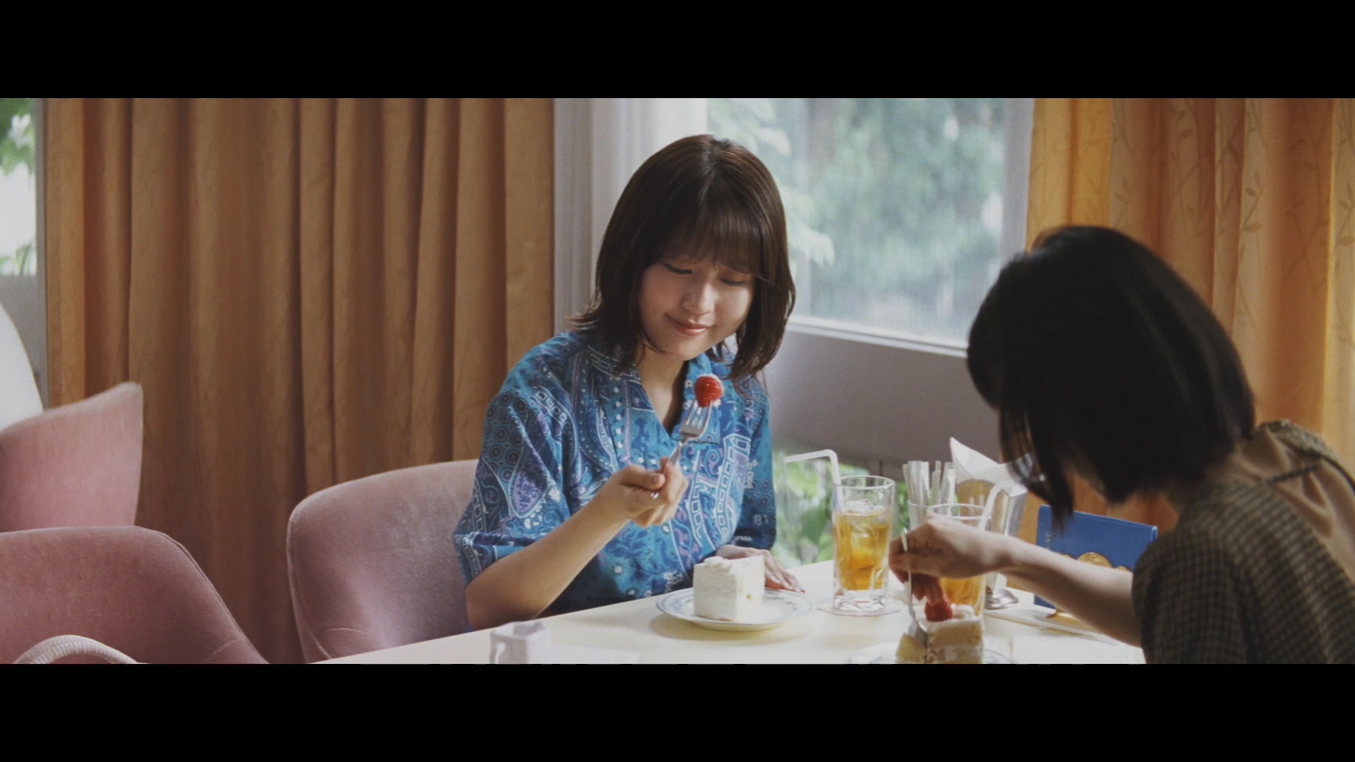 有村架純・浜辺美波 共演/JA共済 新TV-CM「イチゴ」篇