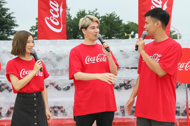 朝日奈央・JOY ・ユージ、巨大な氷の塊を割って「コカ・コーラ」を取り出す アイスブレイクチャレンジ体験!(2019年7月21日)
